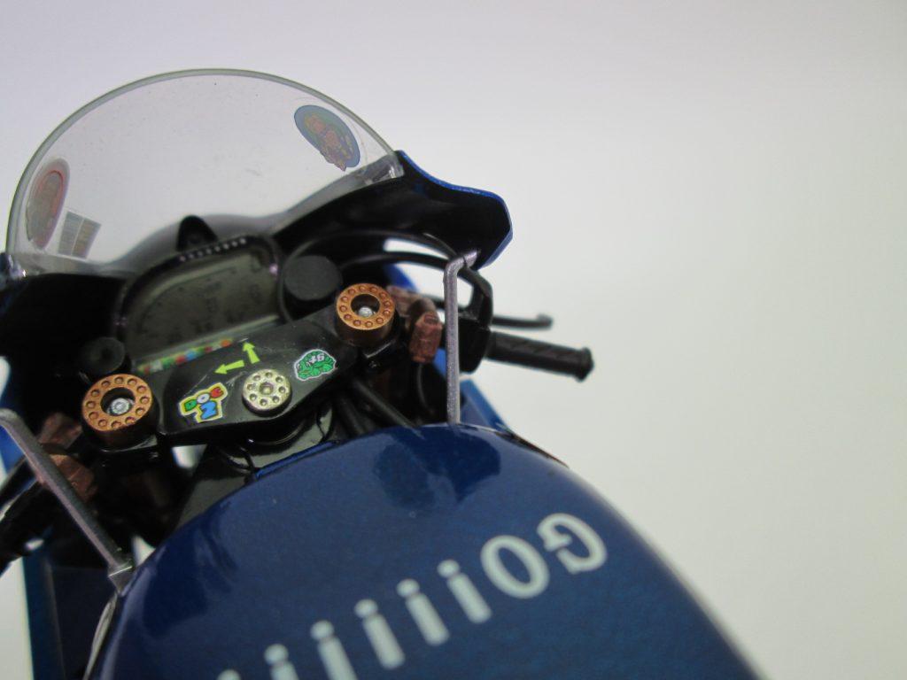 タミヤ 1/12 ヤマハ YZR-M1 '04 No.46 バイクプラモデル完成品 インパネ周り