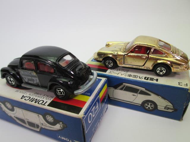トミカ青箱、フォルクスワーゲン1200LSEとポルシェ 911Sの後部画像