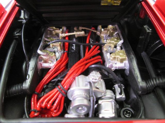 京商 1/18 ランボルギーニ・カウンタックLP5000S V型12気筒エンジン