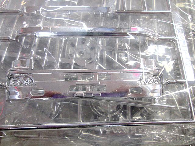 アオシマ 日野プロフィア冷凍車 サイド観音扉仕様 パーツ内容