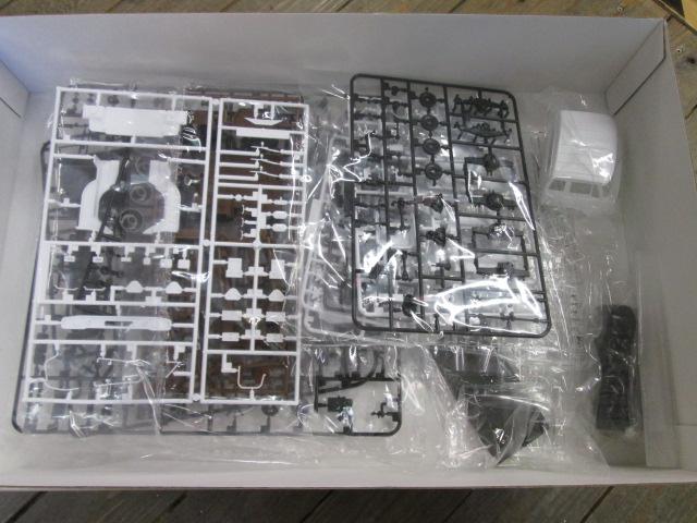 買取紹介:アオシマ1/32日野HHトラクターヘッドのパーツ内容