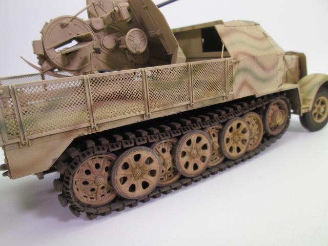 ドイツ軍 8tハーフトラック FlaK43/37mm 後部