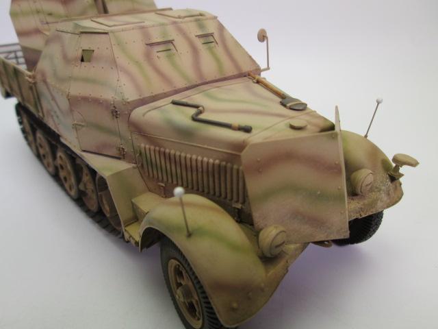 ドイツ軍 8tハーフトラック FlaK43/37mm 正面