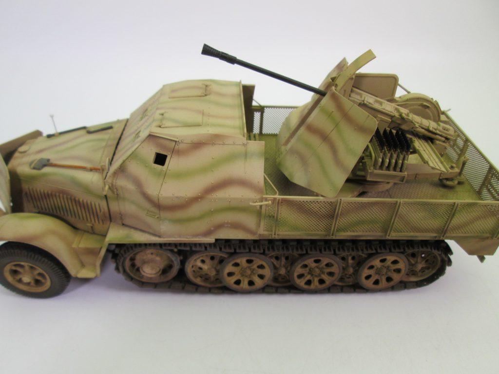 ドイツ軍 8tハーフトラック FlaK43/37mm