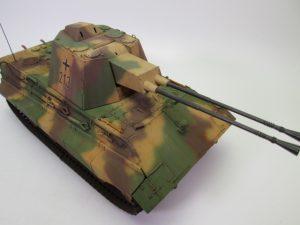 E-75対空戦車クロコダイルの塗装済みプラモデルを買取させて頂きました。