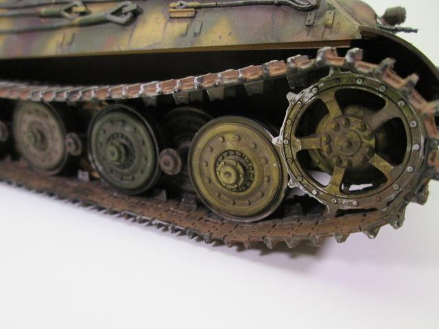 駆逐戦車ヤークトティーガー プラモデル完成品 履帯