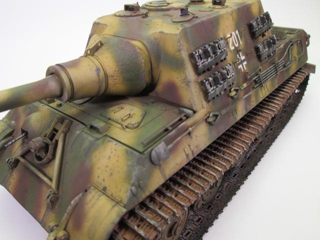 駆逐戦車ヤークトティーガー プラモデル完成品 履帯と砲塔