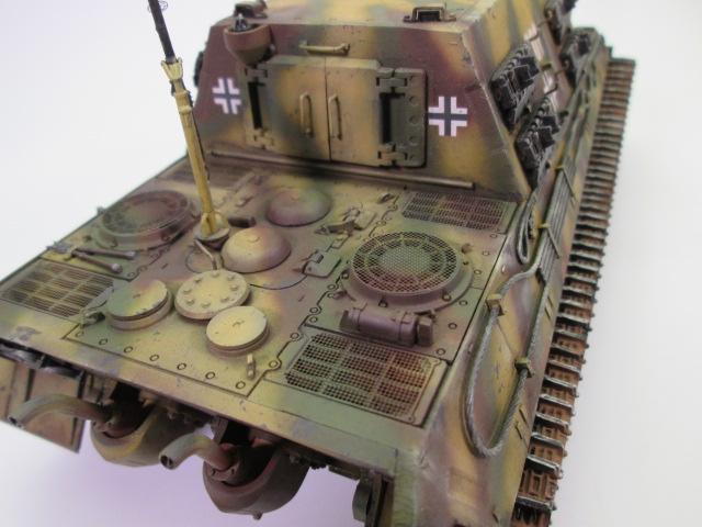 駆逐戦車ヤークトティーガー プラモデル完成品 エンジン部分
