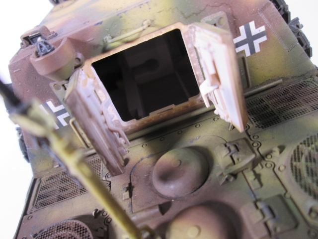 駆逐戦車ヤークトティーガー プラモデル完成品 ハッチ