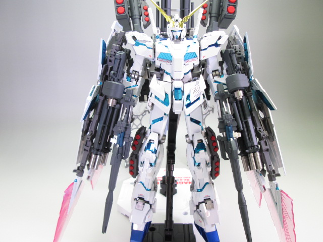 買取紹介:MG ユニコーンガンダム塗装済み完成品の全体画像