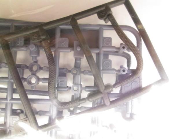 コトブキヤ HMM 1/72 コマンドウルフ アーバイン仕様の動力パイプ