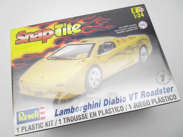 レベル 1/24 ランボルギーニ ディアブロ VT ロードスター