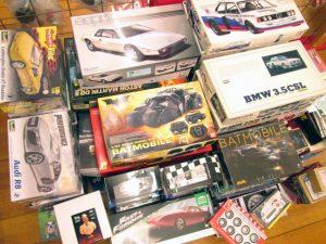 童友社 アストンマーチンDB5など自動車のプラモデルを愛知県より買取頂きました!