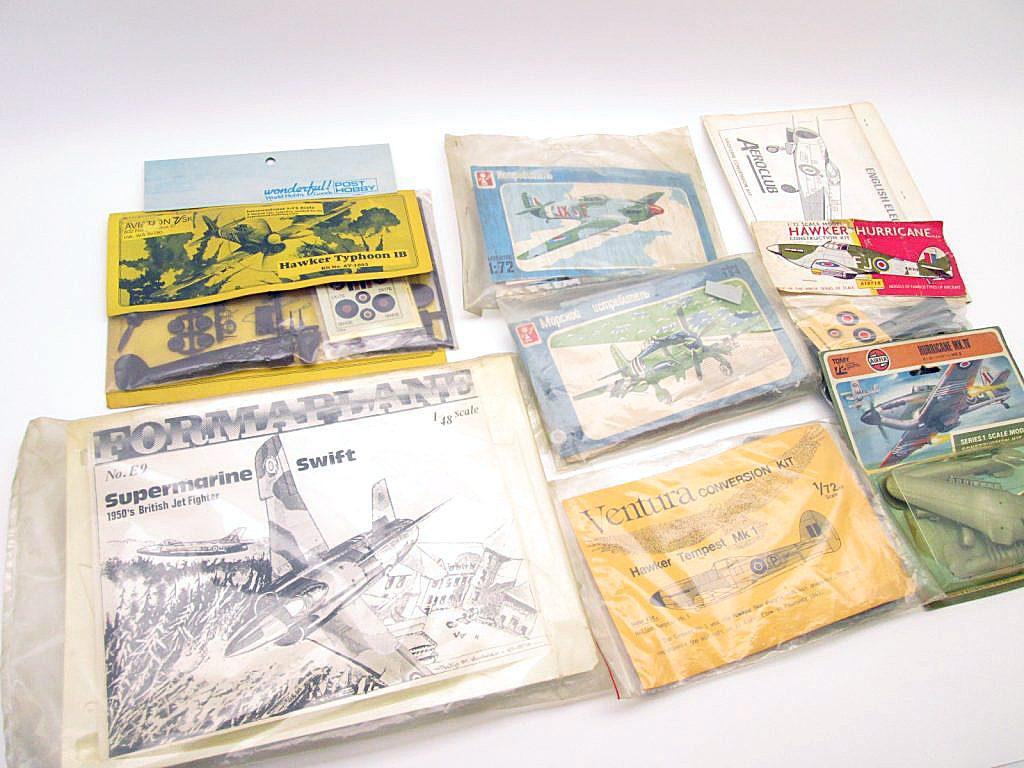 袋パッケージの飛行機模型キット