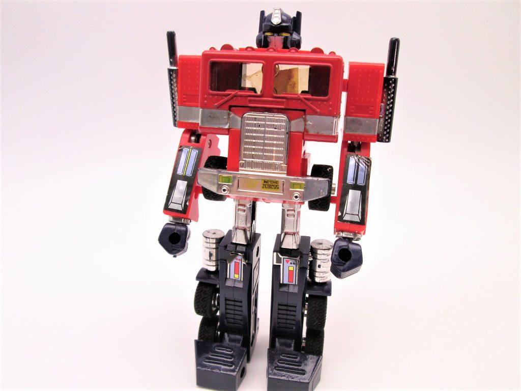 カーロボット コンボイロボ形態