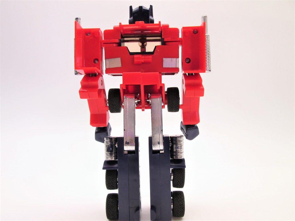 カーロボット コンボイロボ形態後ろから