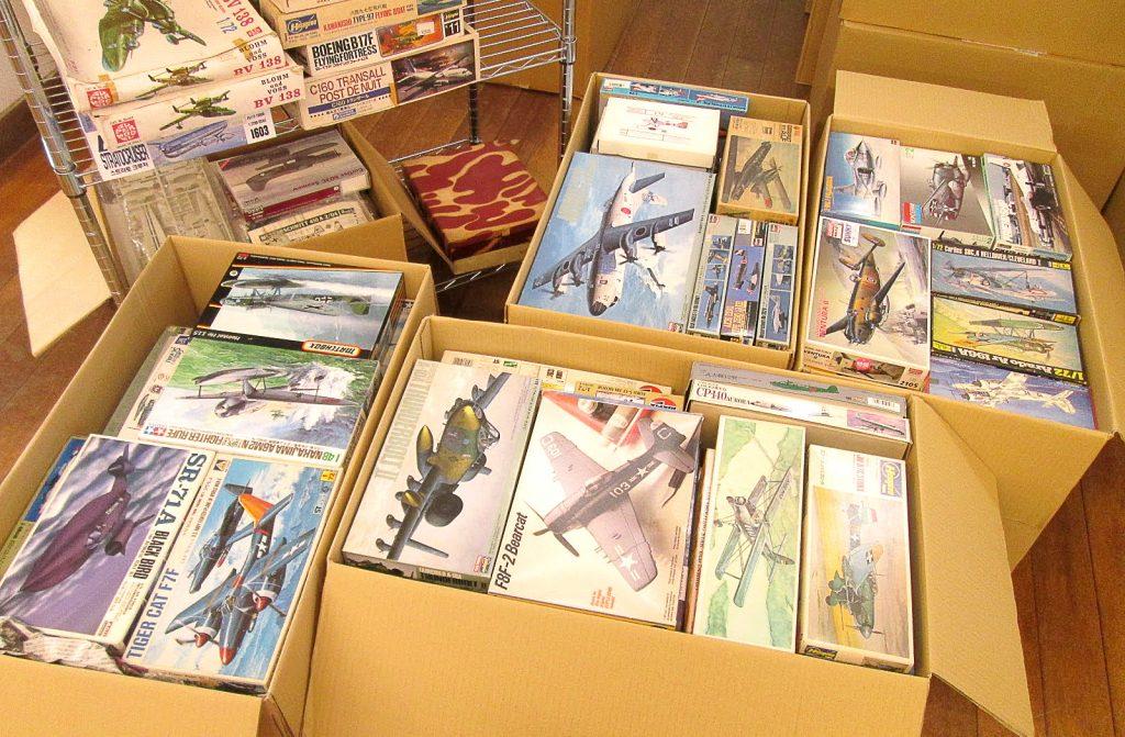 多数の爆撃機や飛行艇などのプラモデル