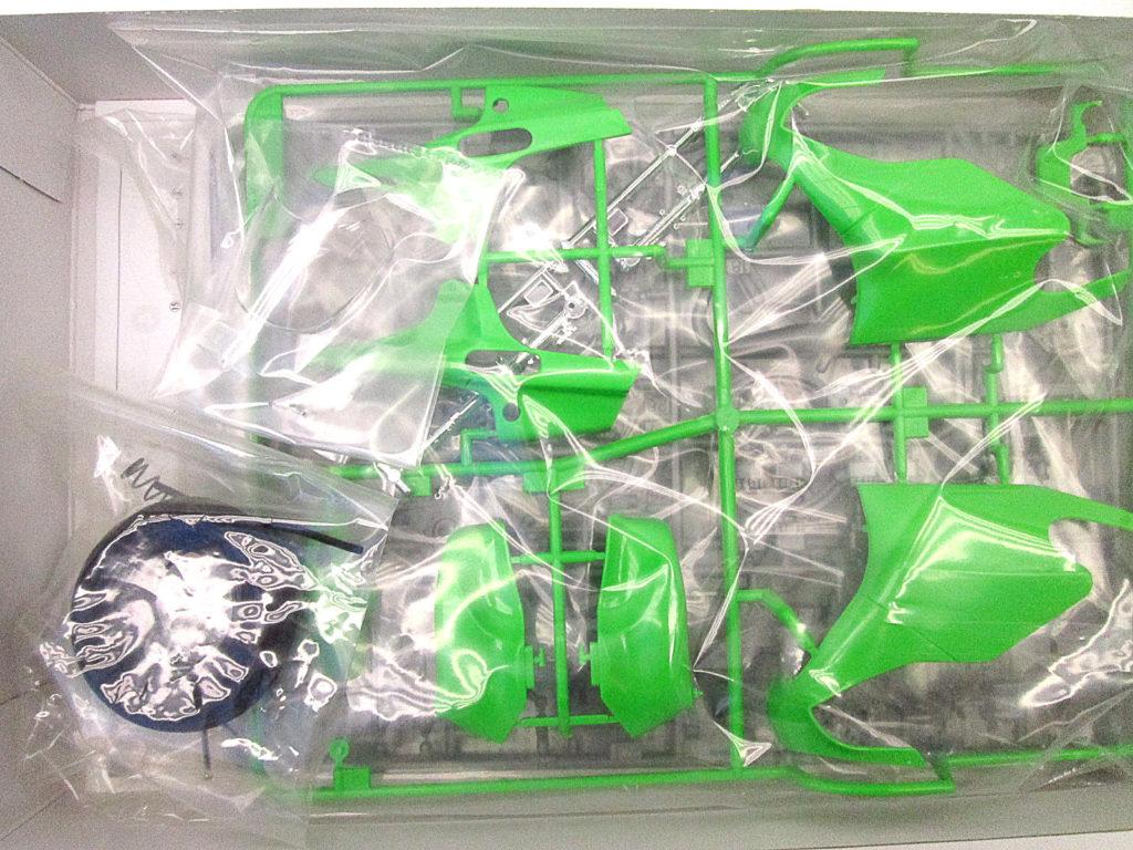 タミヤ 1/12 カワサキ KR500 グランプリレーサー キット内容