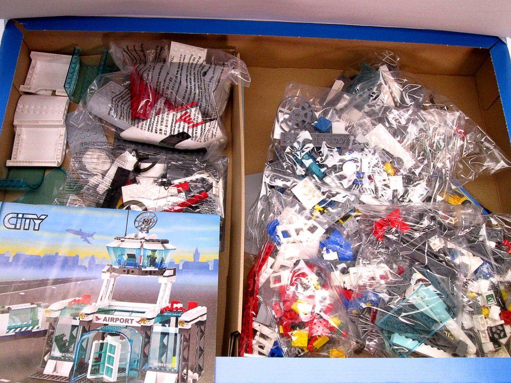 買取紹介:レゴ/LEGO シティ 7894 空港 ANAバージョンの内容