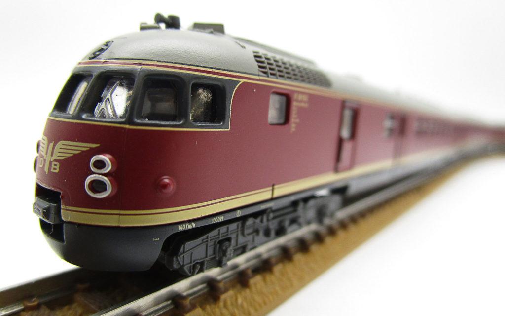 ARNOLD Nゲージ DB VT08.5形 ワールドカップ列車 1954のフェイス