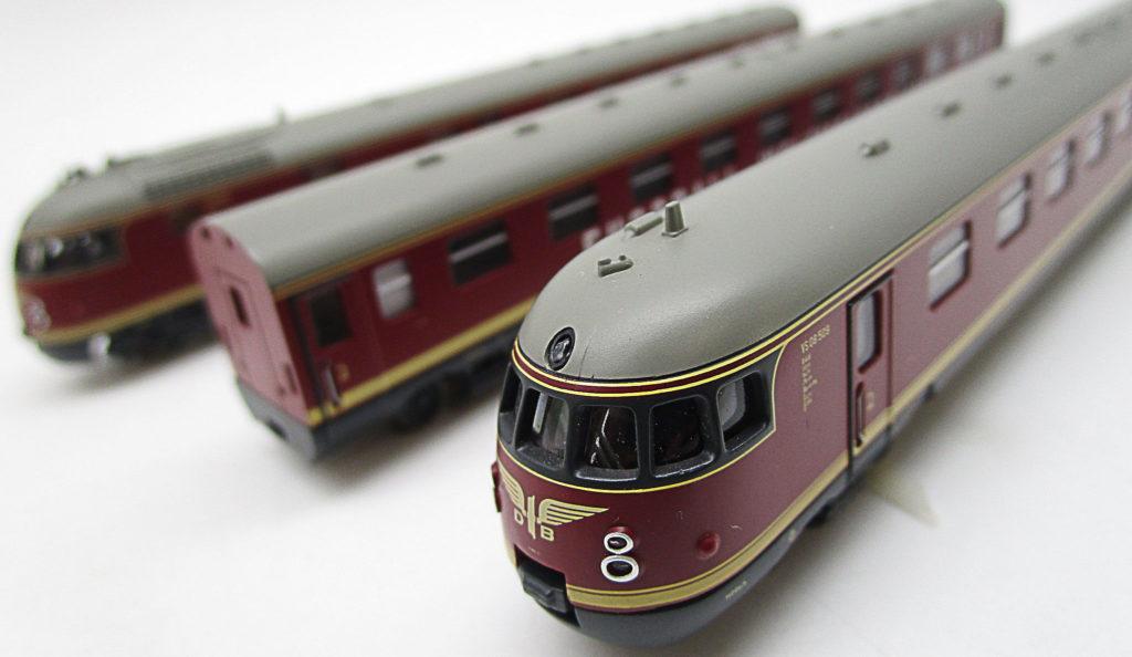 ARNOLD Nゲージ DB VT08.5形 ワールドカップ列車 1954セット内容
