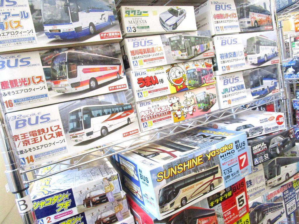 神奈川県よりデコトラや大型バスのプラモデルを買取頂きました!