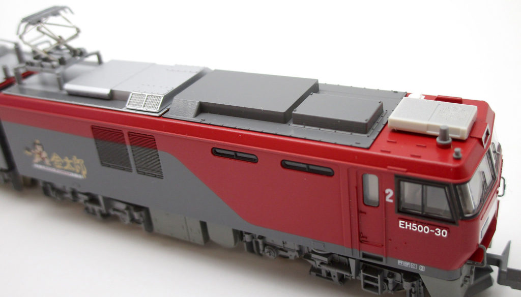 KATO 3037-1 EH500 3次形 金太郎 Nゲージの側面
