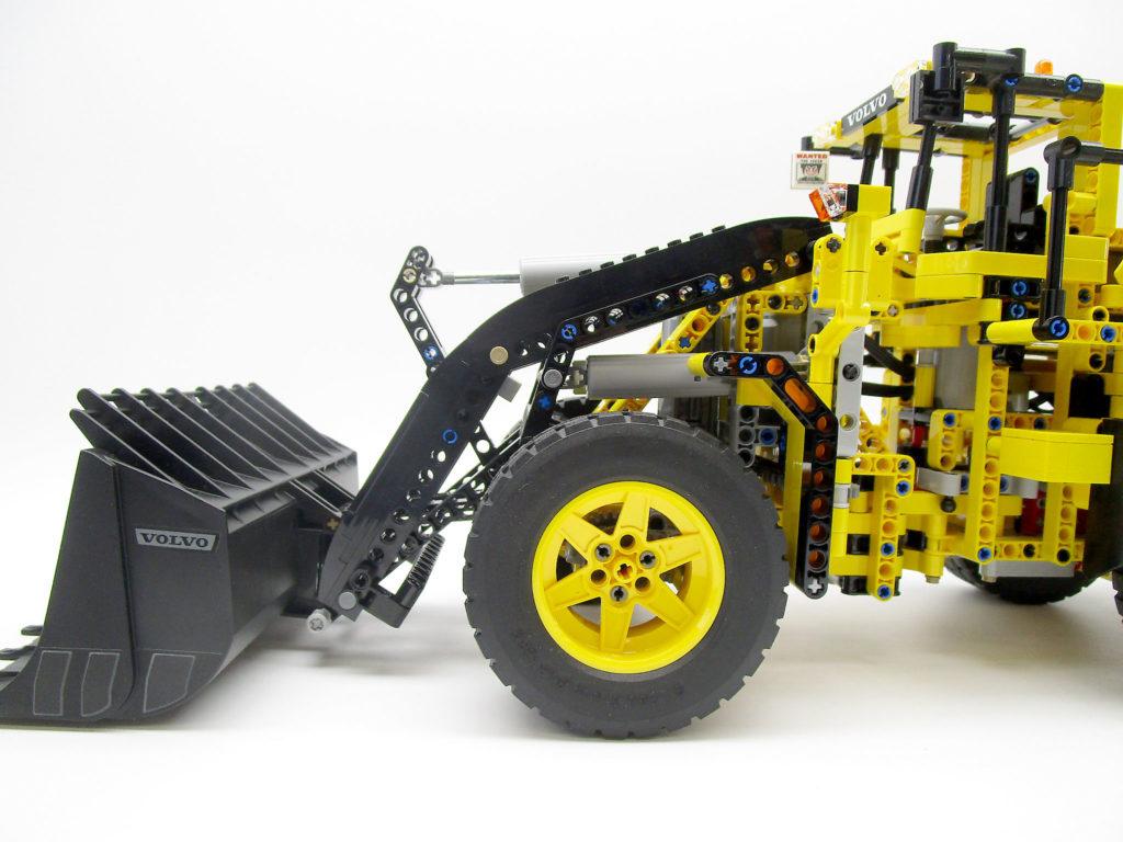 LEGO テクニック 42030 Volvo L350F ホイールローダーのバケット側面