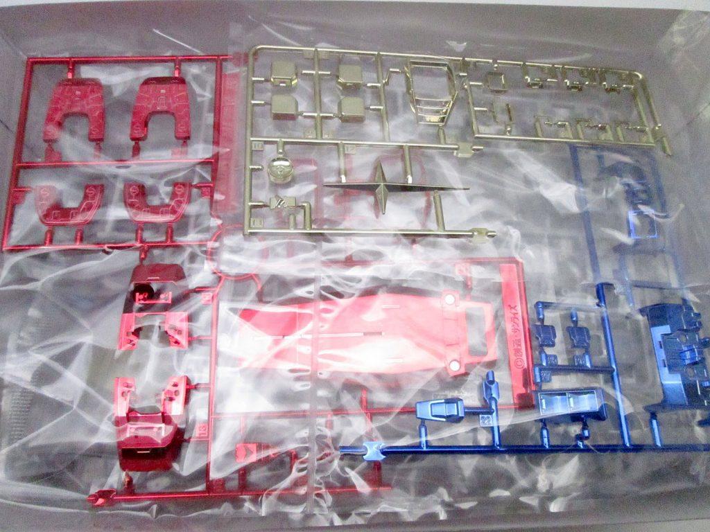 バンダイ MG 1/100 RX-78-2 ガンダム Ver.ONE YEAR WAR 0079 クラブMG景品 チタニウムフィニッシュVer. キット内容