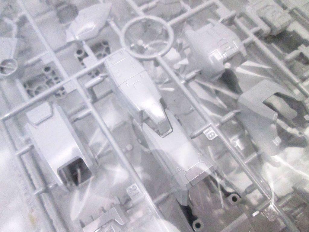 バンダイ MG 1/100 RX-78-2 ガンダム Ver.ONE YEAR WAR 0079 クラブMG景品 チタニウムフィニッシュVer.の白メッキパーツ
