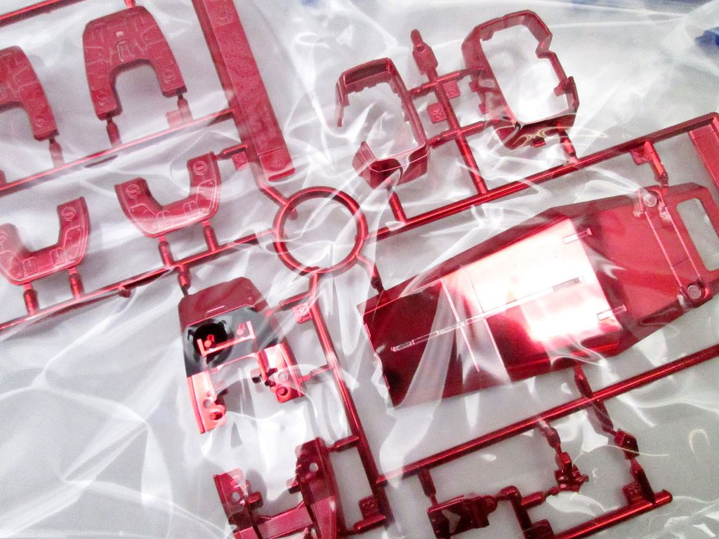 バンダイ MG 1/100 RX-78-2 ガンダム Ver.ONE YEAR WAR 0079 クラブMG景品 チタニウムフィニッシュVer.の赤メッキパーツ