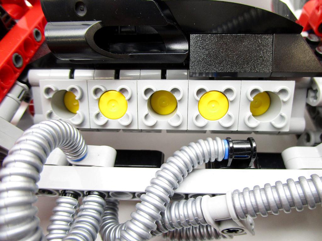LEGO 8674 レーサー 1/8 フェラーリF1 V10エンジン