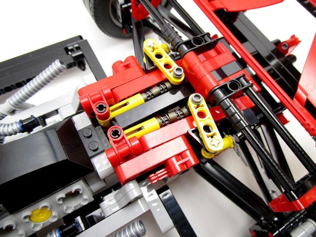 LEGO 8674 レーサー 1/8 フェラーリF1 後部サスペンション