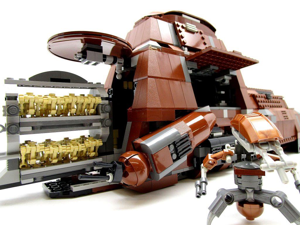 LEGO スター・ウォーズ 7662 通商連合MTT 大型兵員輸送車 組立済み正面