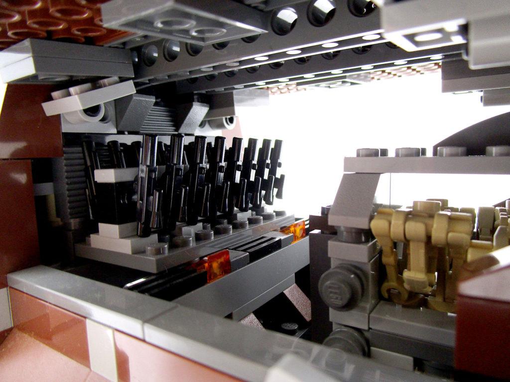 LEGO スター・ウォーズ 7662 通商連合MTT 大型兵員輸送車 内部