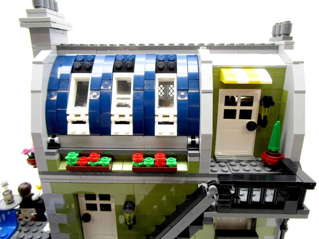 LEGO クリエイター 10243 パリのレストラン 三階の入り口