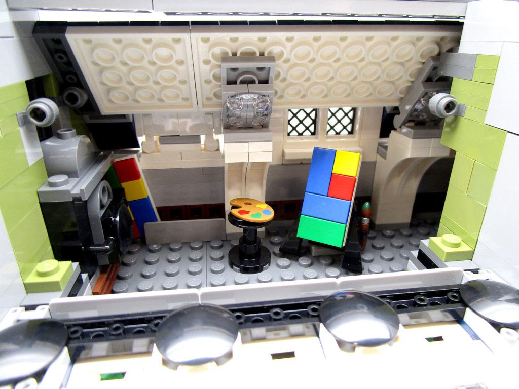 LEGO クリエイター 10243 パリのレストラン 三階室内のアトリエ
