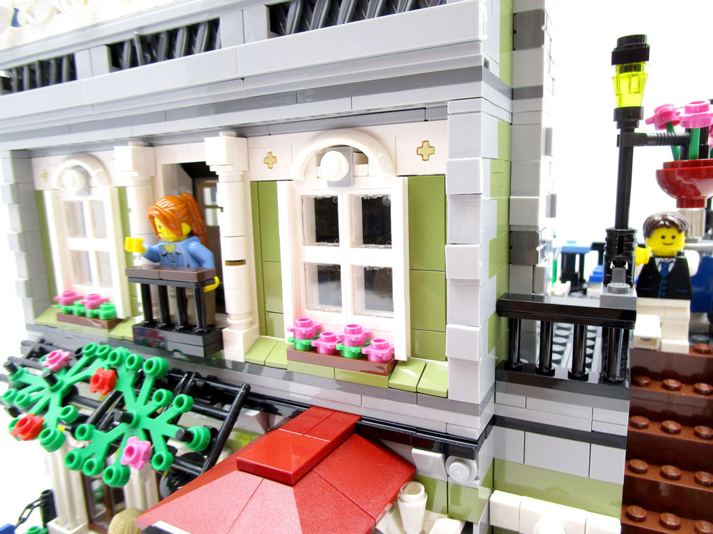 LEGO クリエイター 10243 パリのレストラン 二階正面