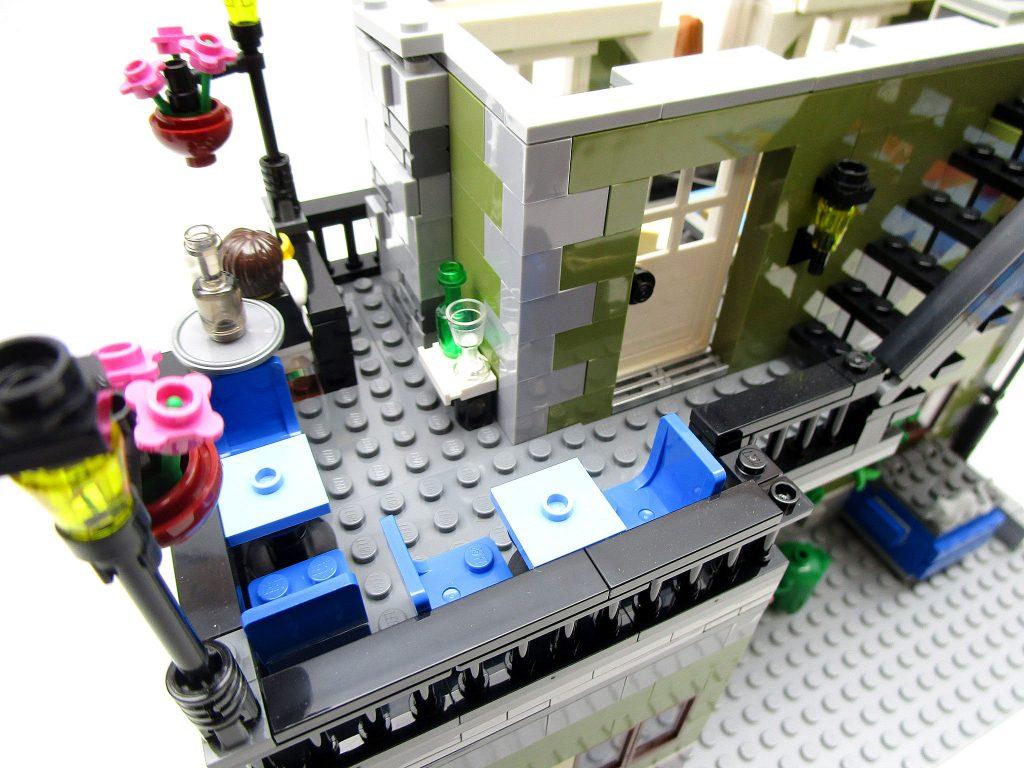 LEGO クリエイター 10243 パリのレストラン 二階テラス席