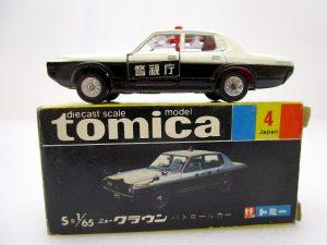 トミカ 4 ニュー クラウン パトロールカー
