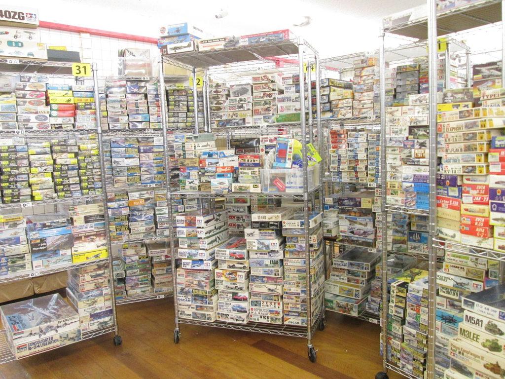 出張買取にて、京都府より大量のプラモデルやラジコン等を買取させて頂きました!