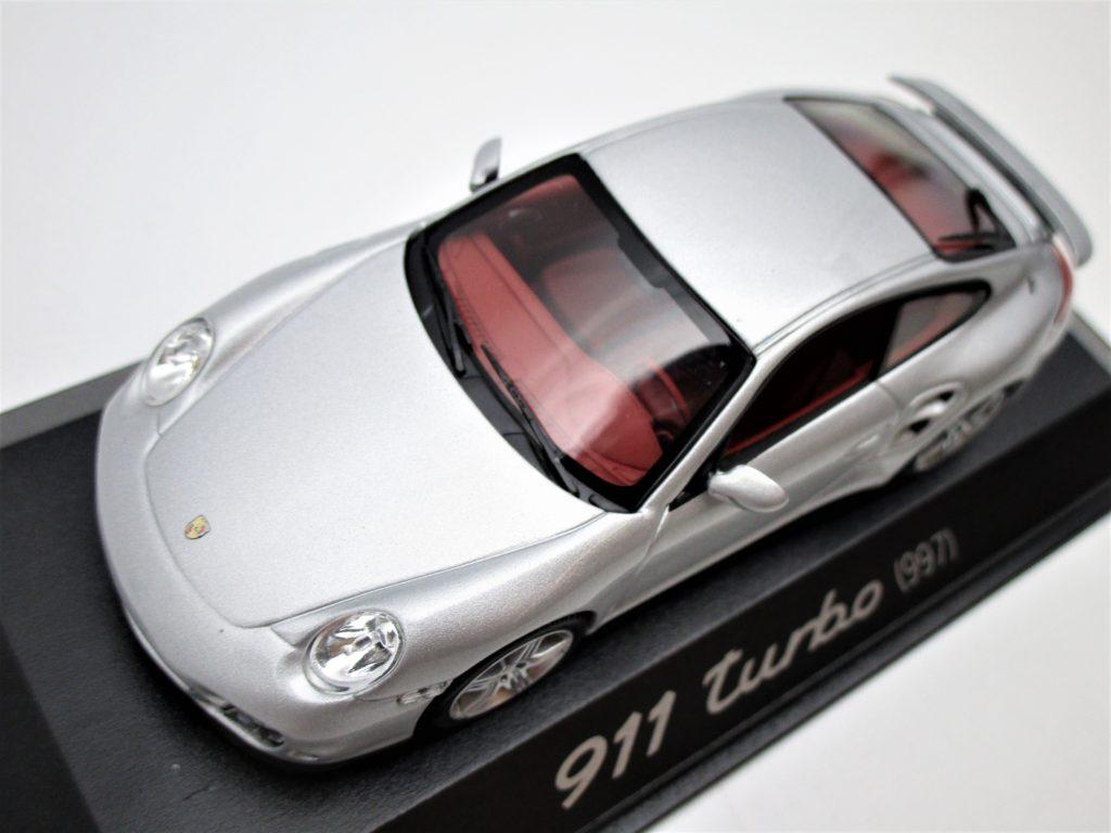 ミニチャンプス 1/43 ポルシェ 911ターボ