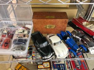 ミニカーやブリキ、レトロ玩具