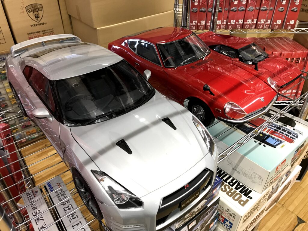 イーグルモス 1/8 週刊 日産 R35 GT-R完成品など